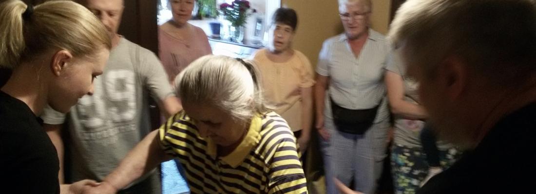 Моя бабушка решила принять крещение в возрасте 81 год!