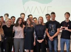 """Первая конференция подростков """"Wave» прошла в Киеве"""